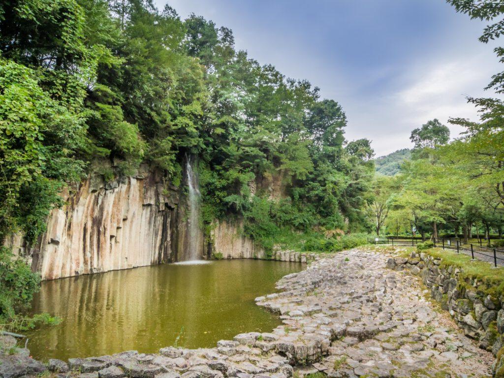 やくの玄武岩公園
