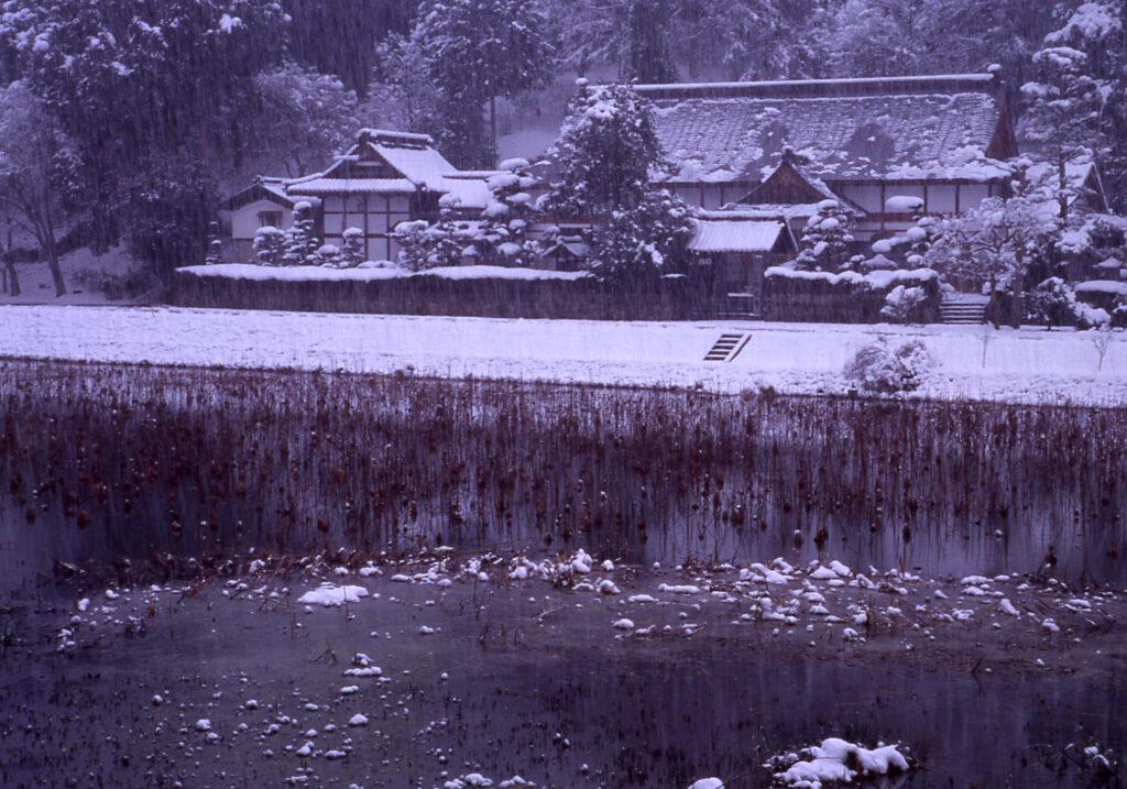 「楞厳寺雪模様」