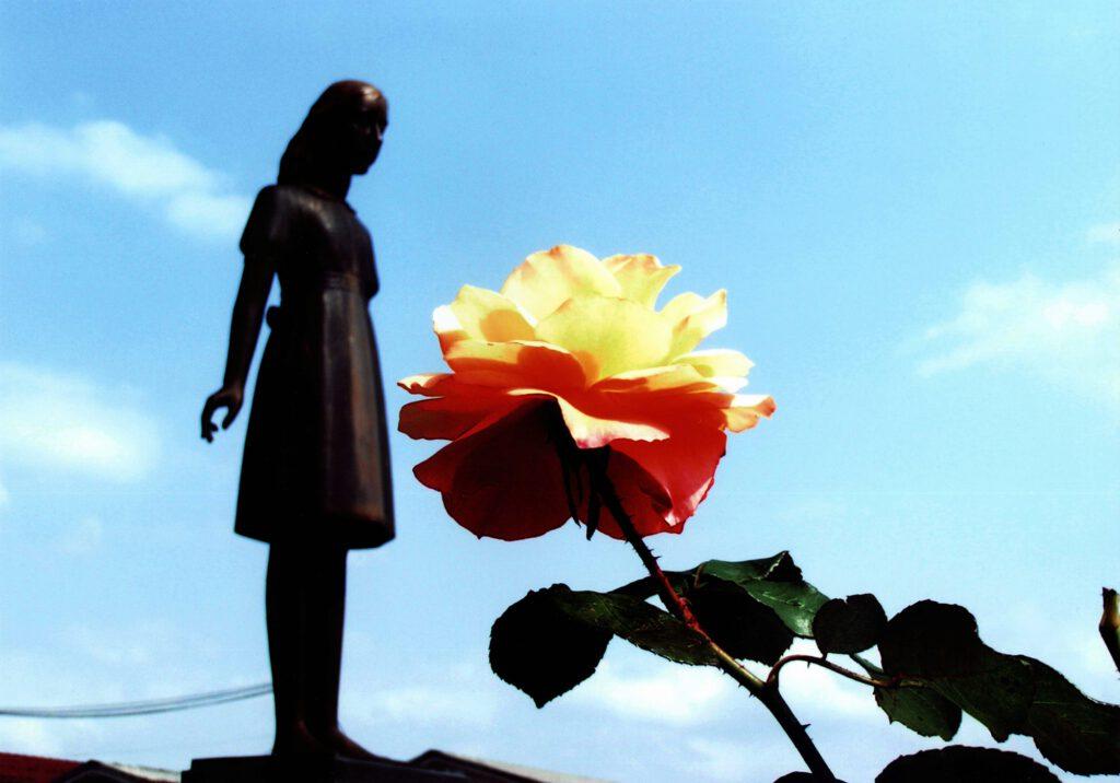 「駅北アンネのバラ」