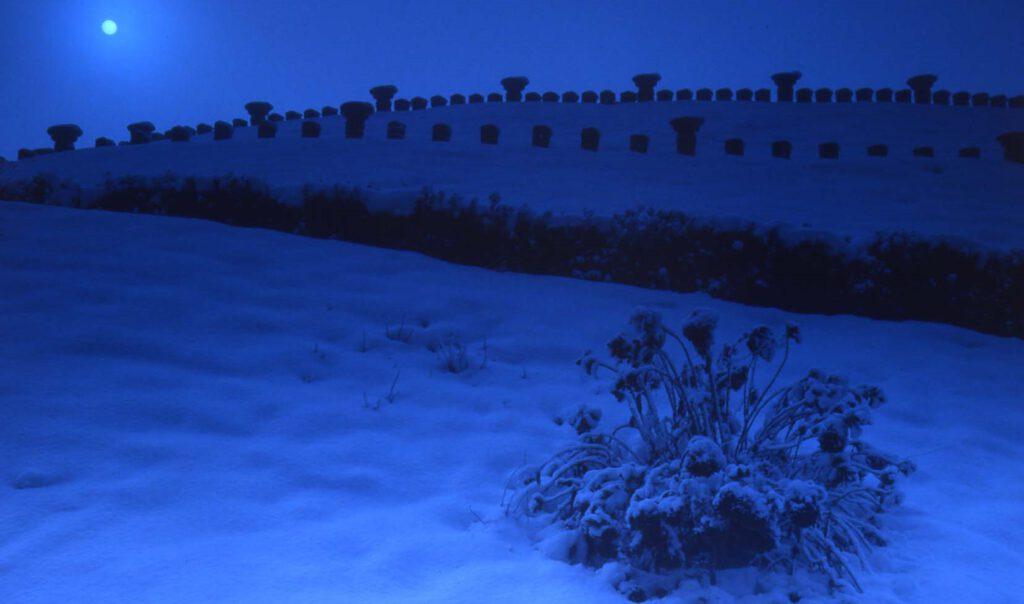 「雪の円山古墳」