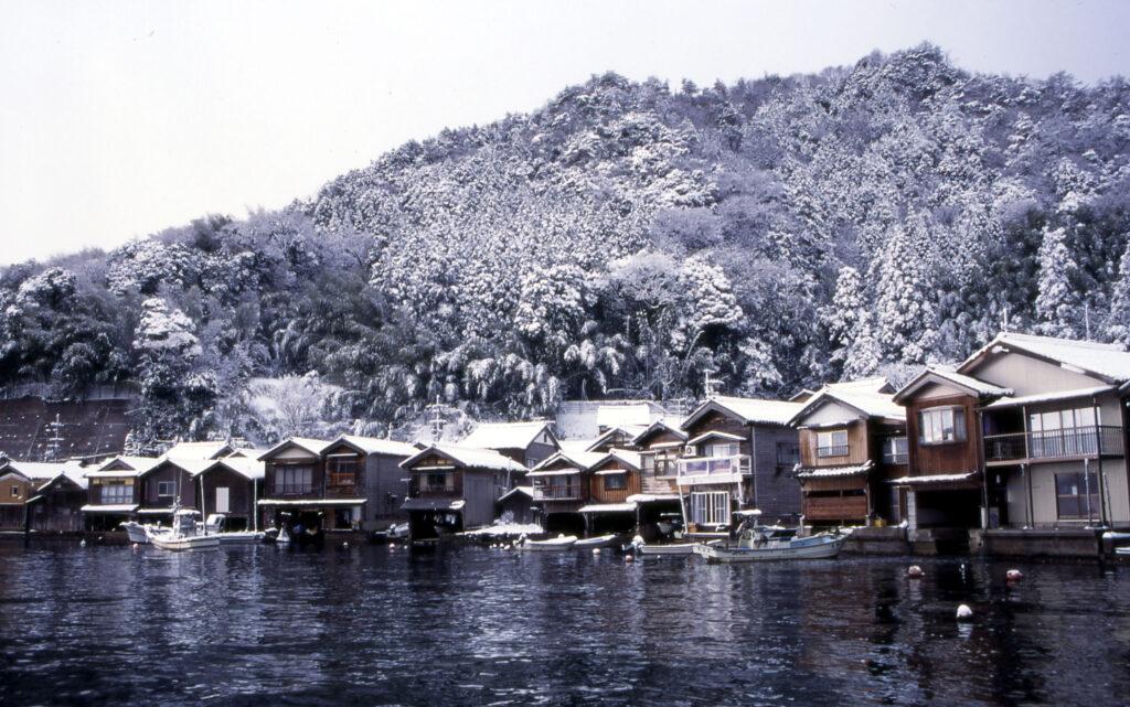 「雪の舟屋群」①