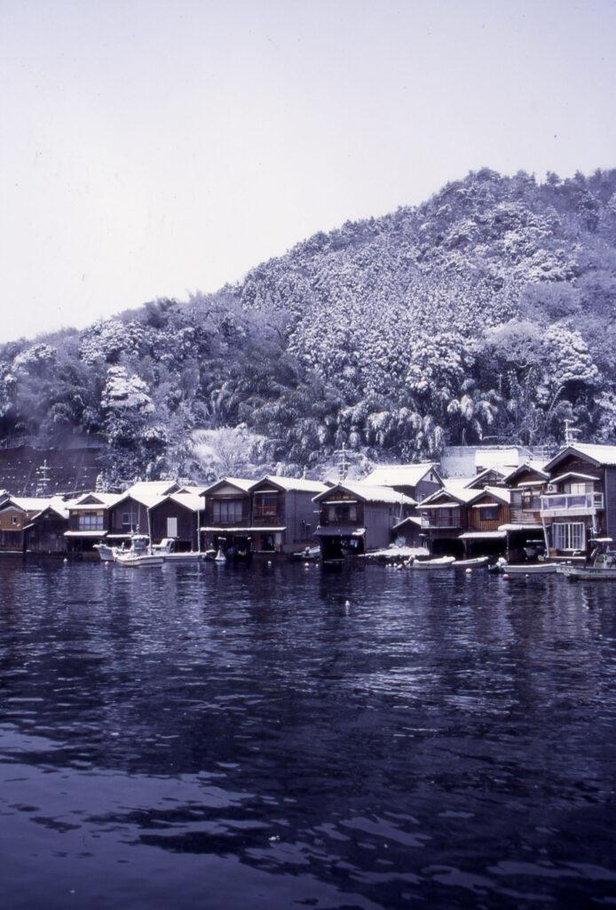 「雪の舟屋群」②