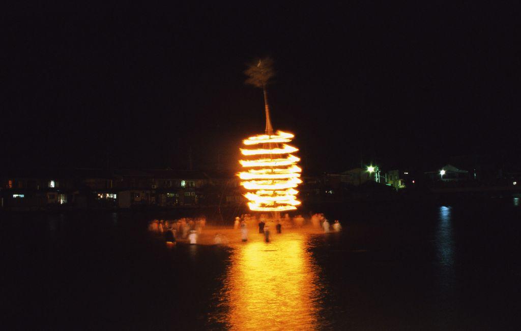 Yoshiwara Lantern Festival (Prefectural Registered Cultural Property)