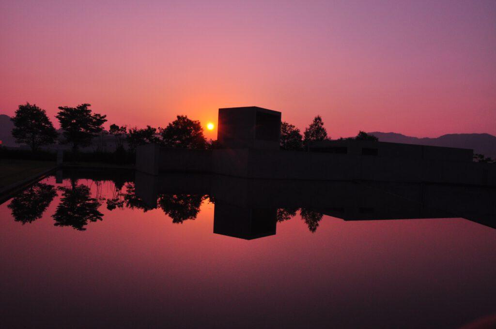 「朝の輝き」