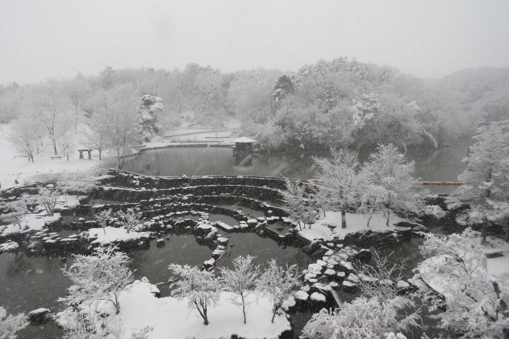 けいはんな記念公園:水景園 雪