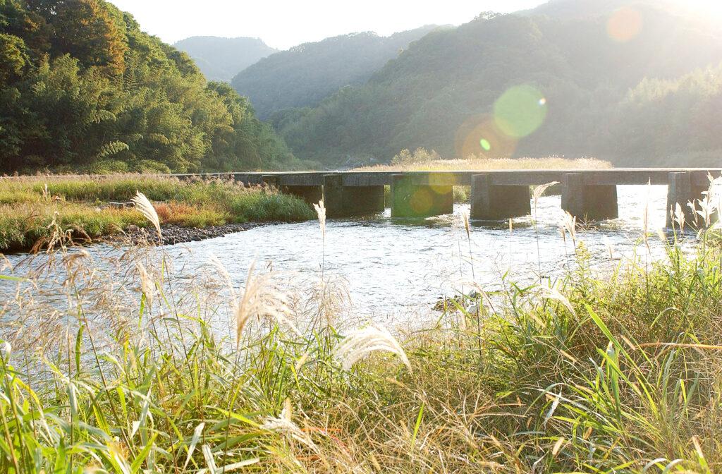 恋志谷神社:恋路橋