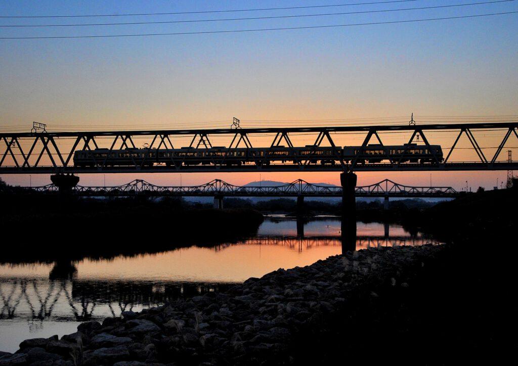 泉の川を渡る:木津川